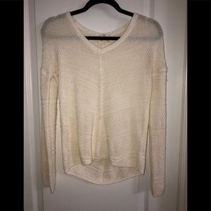 ❤️ 3/20 cream NWOT cable knit sweater